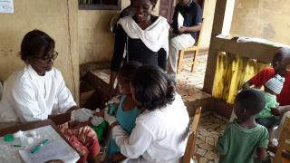 Blood sampling by a member of the Faculty of Medicine and Biomedical Sciences, University of Yaoundé