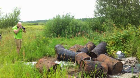 Three illegal pesticide dumps in water protection zone of the Oka river (2006-2008), including DDT and mercury.