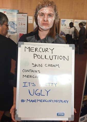IPENers raise awareness about mercury in skin cream.